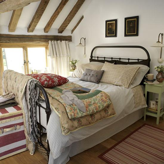 How To Achieve A Country Style Bedroom | thehomebarn.ie